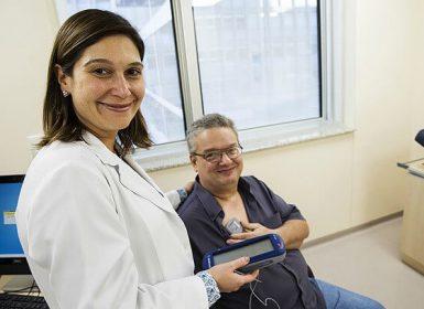 Médicos brasileiros estão mudando o tratamento do Mal de Parkinson