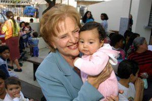 Medicina - Zilda Arns Neumann era médica pediatra e foi fundadora e coordenadora da Pastoral da Criança