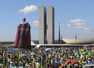 Qual a semelhança entre as manifestações contra e pró-Bolsonaro?