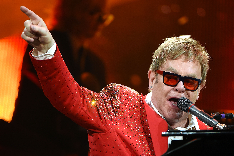 """As 10 melhores músicas de Elton John, o """"Rocketman"""""""